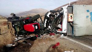 Kahramanmaraş'ta feci kaza: 2 ölü 6 yaralı