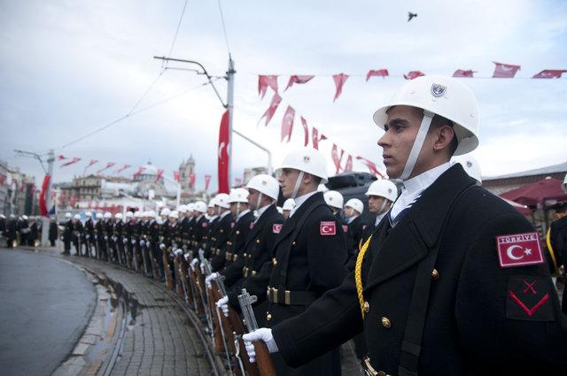 Atatürk Taksim'de böyle anıldı