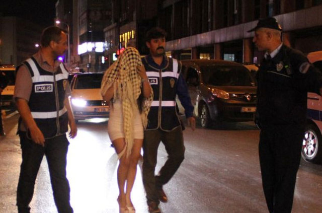 Adana'da 300 polis ile huzur operasyonu