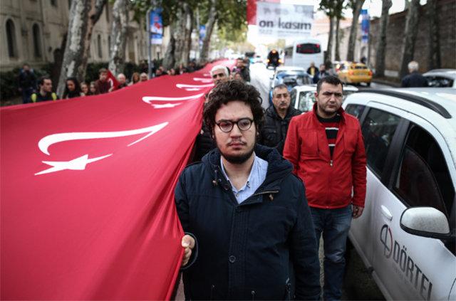 10 Kasım'da saatler 09.05'i gösterirken Türkiye'de hayat 1 dakikalığına durdu