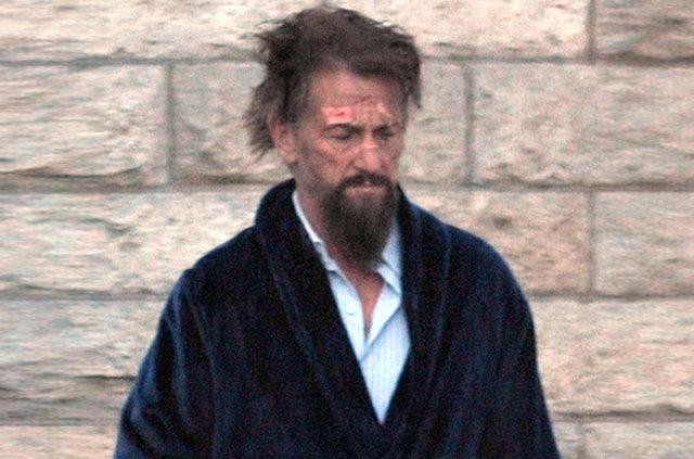 Sean Penn tanınmaz halde