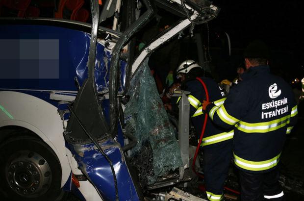 Eskişehir'de yolcu otobüsü ve TIR çarpıştı: 1 ölü, 29 yaralı