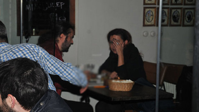 Halil Sezai sevgilisiyle görüntülendi