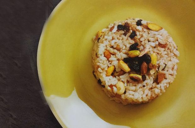 Esmer pirinçli kuruyemişli pilav