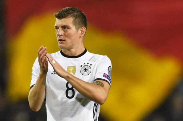 Almanya, Tolgay Arslan'ı bırakmıyor