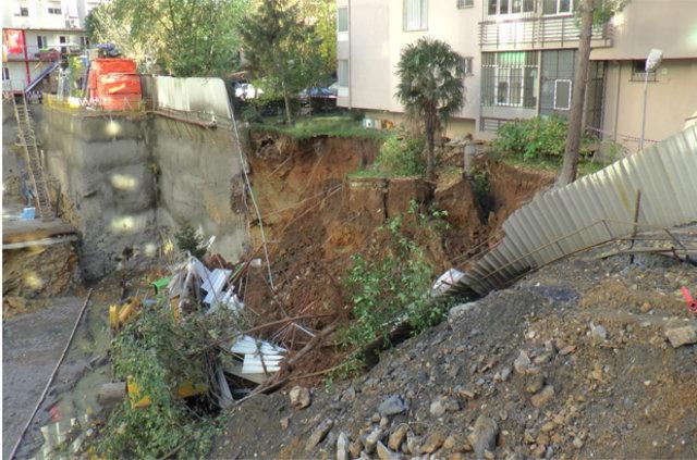 Kadıköy'de inşaat çalışmasında çökme meydana geldi