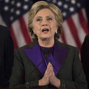 Clinton yenilgisinden dolayı kimi suçladı?