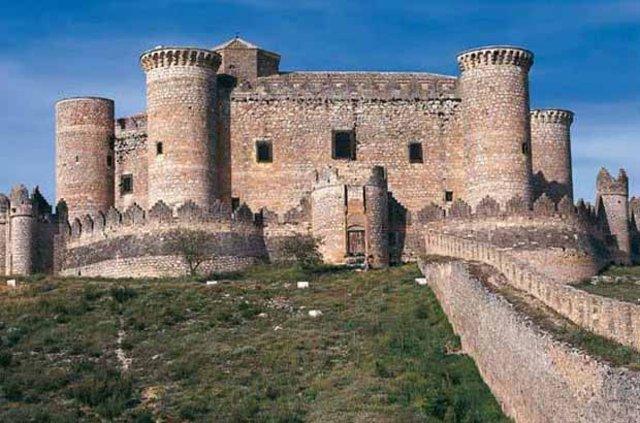 Avrupa'nın en güzel kale ve şatoları