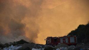 Muğla'da bulunan çöp depolama alanında yangın çıktı