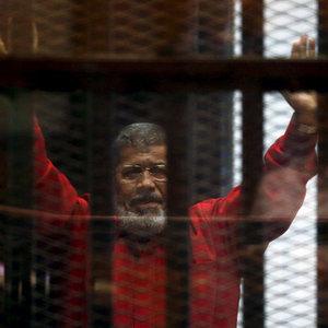 Mısır Mahkemesi'nden flaş Mursi kararı!