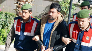 Manisa'da 6 yıldır aranan suçlu arkadaşının cenaze töreninde yakalandı