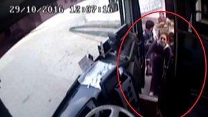 Kalp krizi geçiren kadını halk otobüsü şoförü hastaneye yetiştirdi