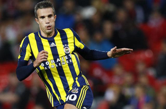 Fenerbahçe'nin Hollandalı yıldızı Robin van Persie, Galatasaray derbisine bileniyor
