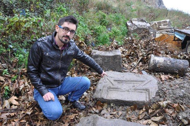 Bartın Amasra'da moloz dökülen alanda tarihi kalıntılar bulundu