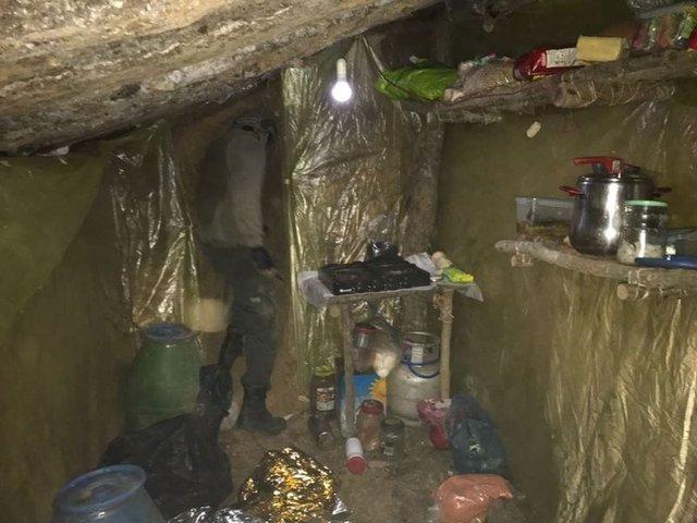 Bingöl'de 11 odalı PKK sığınağı bulundu
