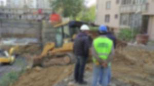 Bolu'da inşaat çalışmasını izleyen adam canında oldu