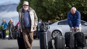 Yeni Zelanda'da mahsur kalan turistler için savaş gemileri devrede