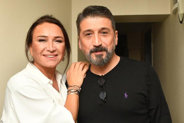 Uluslararası İstanbul Komedi Festivali'nin açılışında sahne alan Demet Akbağ, davetlilere eğlenceli bir gece yaşattı