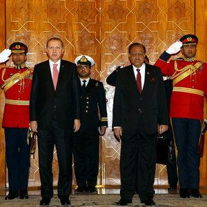 Pakistan'da Erdoğan için o şarkılar çalındı