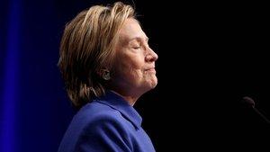 Clinton, seçim yenilgisinden sonra ilk kez halkın karşısına çıktı