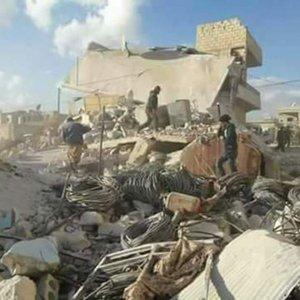 Suriye rejimi Türkiye sınırındaki köyü vurdu: 20 ölü
