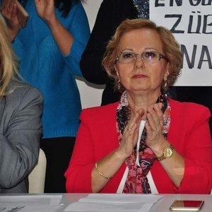 """""""İzmir'in kızları"""" gerilimi"""