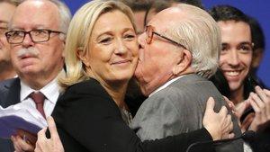 Fransa'da aşırı sağcı Le Pen'in ihraç kararına onay