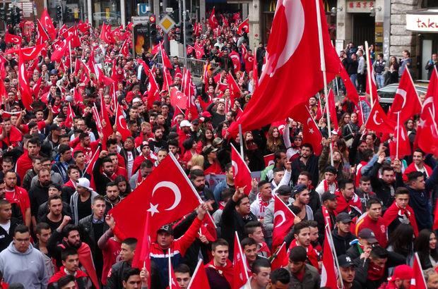 Avrupa'daki Türklerden teröre karşı dev gösteri