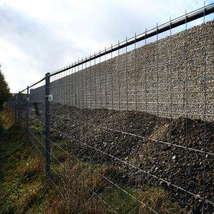 Almanya sığınmacılara karşı duvar örüyor!