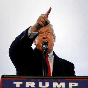Trump, üç öğrenciye tazminat ödeyecek!