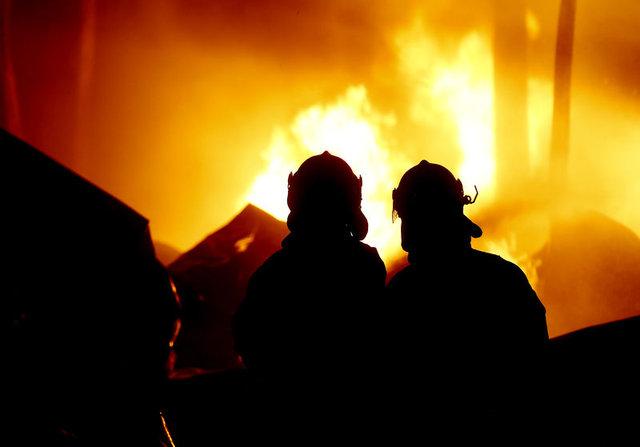İzmir'de mandalina fabrikasında yangın