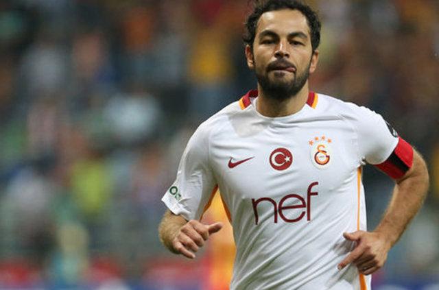 Derbide Galatasaray yedek kulübesinde gerginlik!