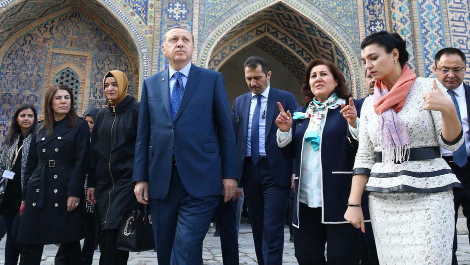 Cumhurbaşkanı Recep Tayyip Erdoğan Şanghay 5'lisi Selçuk Tepeli