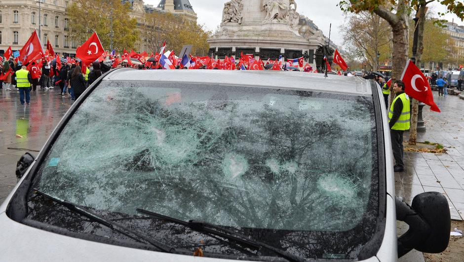 Fransa Teröre lanet demokrasiye evet PKK saldırı kadın ve çocuklar