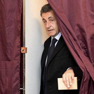 Fransa, cumhurbaşkanı adayı için sandık başında