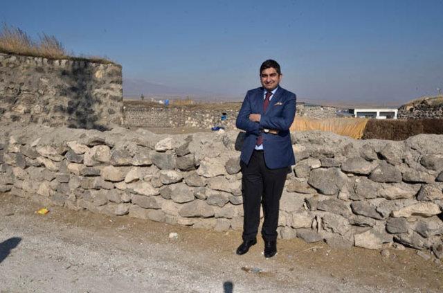 İşadamı Sezgin Baran Korkmaz doğduğu köye okul yaptırdı