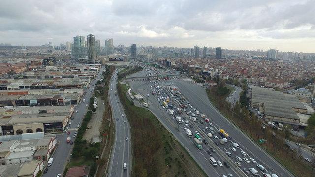 Mahmutbey'de serbest geçiş sistemi trafiği rahatlatmadı