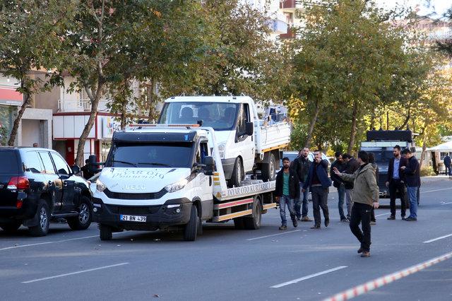 Diyarbakır'da bombalı araç şüphesi ekipleri harekete geçirdi