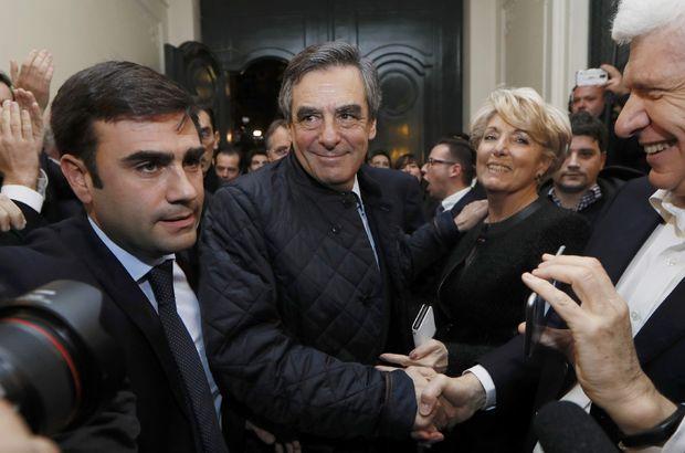Fransa'da sandıkların yarısı açıldı, François Fillon önde gidiyor