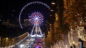 Paris'te noel heyecanı başladı