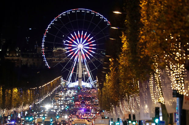 Fransa Paris yeni yıl süsleme Champs-Elysees