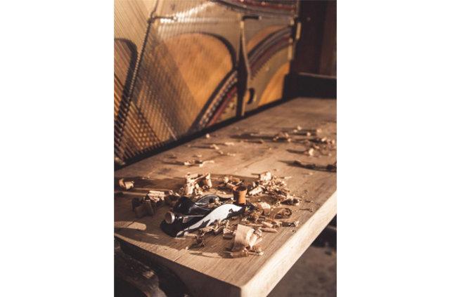 110 yıllık piyanoyu bakın neye dönüştürdü