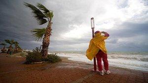 Avustralya'da korkutan fırtına: 2 kişi öldü