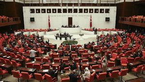 """AK Partili Mustafa Elitaş: """"Komisyona geri çekme yok, son oylamayı yapacağız"""""""