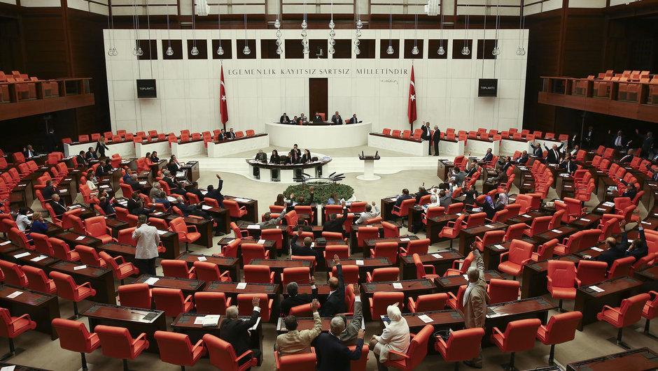 Ak Partili Mustafa Elitaş TBMM CİNSEL İSTİSMAR ÖNERGESİ