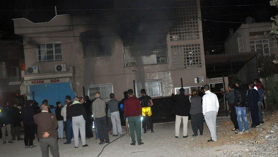 Adana annesi para vermedi evi yaktı