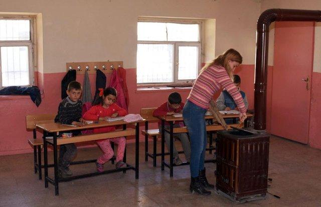 Van'ın Çatak ilçesinde bir eğitim meleği: Meltem Çelik