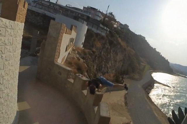 Bursalı lise öğrencisi Emir Korkmaz, akrobasi hareketleriyle ölüme böyle meydan okuyor