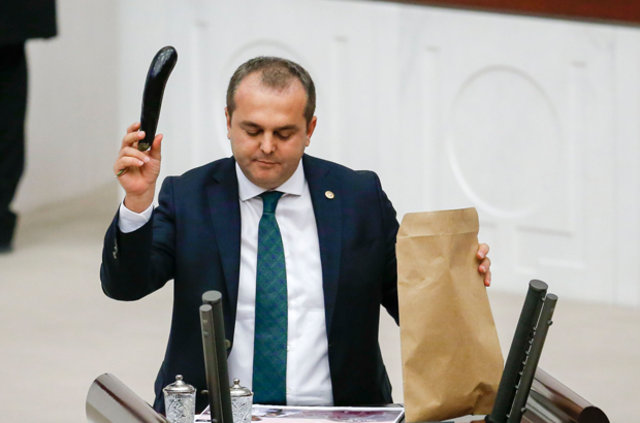 CHP'li milletvekili Devrim Kök, Antalya'daki turizm ve tarım sorunlarına dikkat çekti