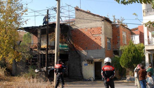 Antalya'da bir evde yangın çıktı